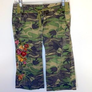 Roxy Camo Embroidered With Flowers Crop Pant Size 0